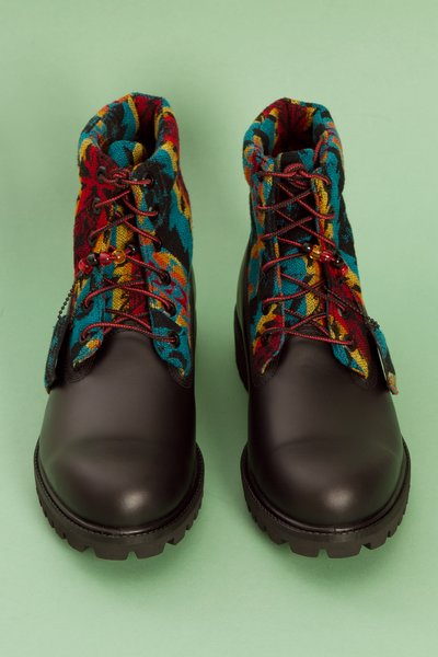 Timberland-Pendleton-for-Opening-Ceremony-Classic-Roll-Top-Boots-3