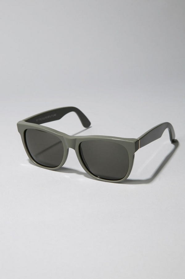 Super-Grey-Wayfarer-Sunglasses-2