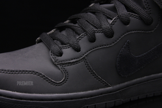 nike-sb-dunk-high-waterproof-4