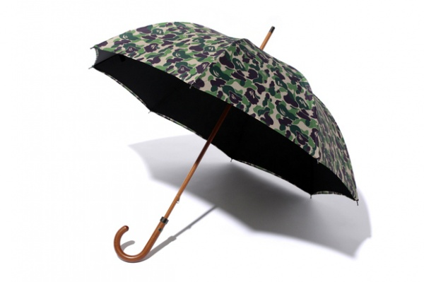 mr-bathing-ape-x-london-undercover-2013-spring-mr-abc-umbrella-1
