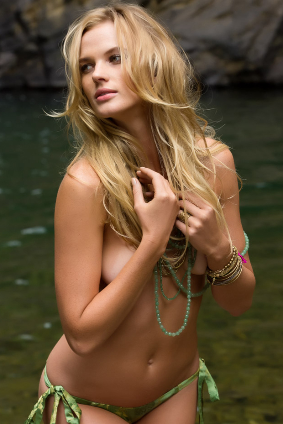 2013-sports-illustrated-swimsuit-edition-7