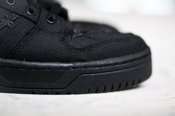 a-closer-look-at-the-aap-rocky-x-adidas-originals-by-jeremy-scott-js-wings-2-0-black-flag-4