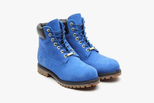 atmos-timberland-6-inch-premium-blue-suede-boots-01