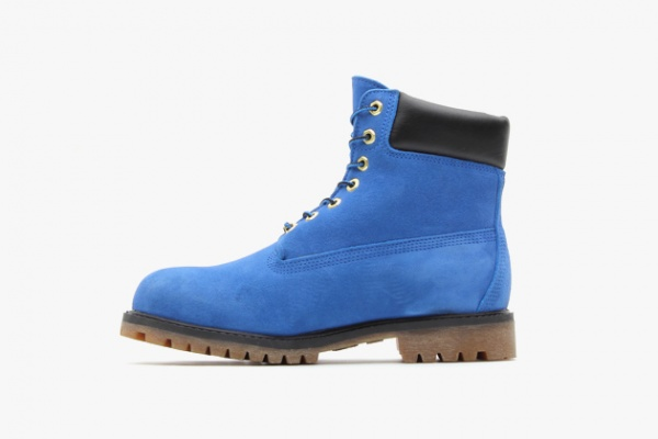 atmos-timberland-6-inch-premium-blue-suede-boots-03