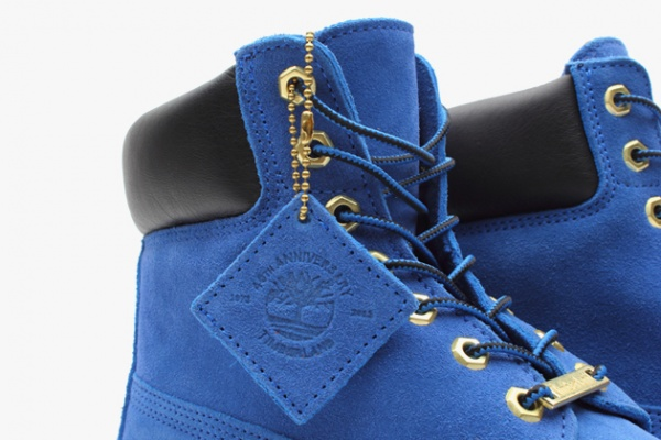 atmos-timberland-6-inch-premium-blue-suede-boots-04