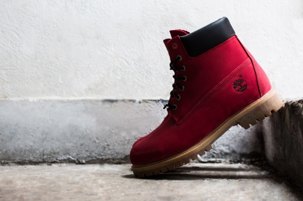 villa-x-timberland-limited-edition-join-the-movement-ruby-red-6-boot-1
