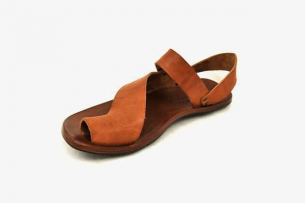 Vegetable-Tanned Leather Sandals From California's Cydwoq